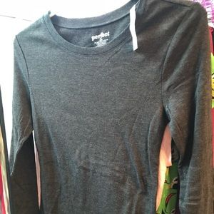 BNWT Old Navy Perfect LS Tee in Charcoal, Sz Med.